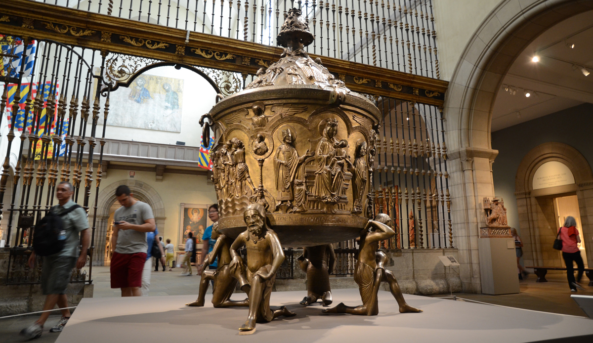 The Hildesheim baptismal font was one of the prominent pieces of art on display in the New York Metropolitan Museum of Art.