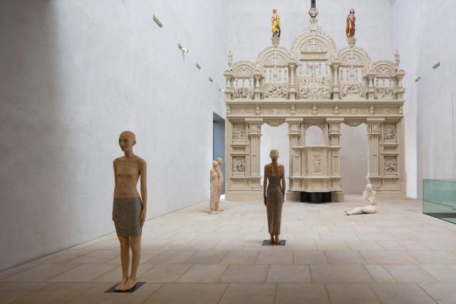 Ausstellungsansicht: Walter Moroder. Hinter den Dingen, 2018, Dommuseum Hildesheim. © Dommuseum / Florian Monheim