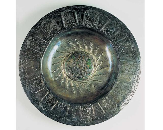This bowl from the mid-15th century was used during Eucharist donations, as it was used as the wafer plate. | Hildesheim Cathedral Treasure